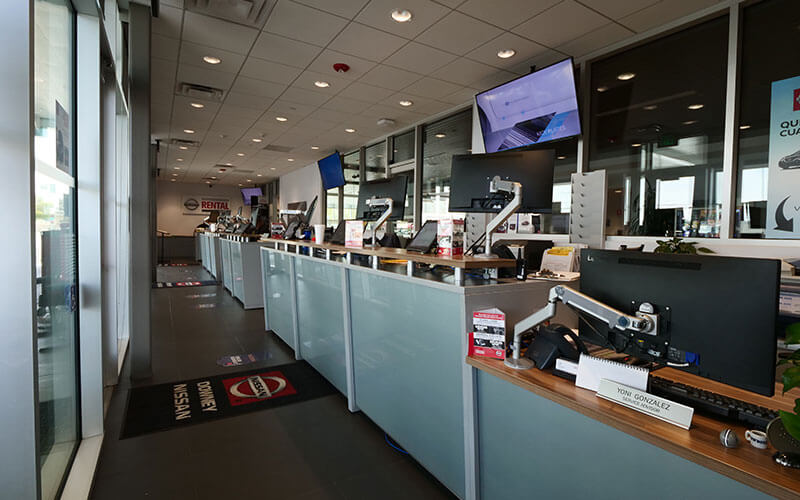 Nissan Service Advisor Center
